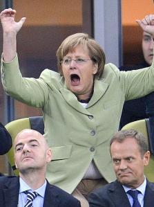 Pertini, la Merkel e un bottone di troppo