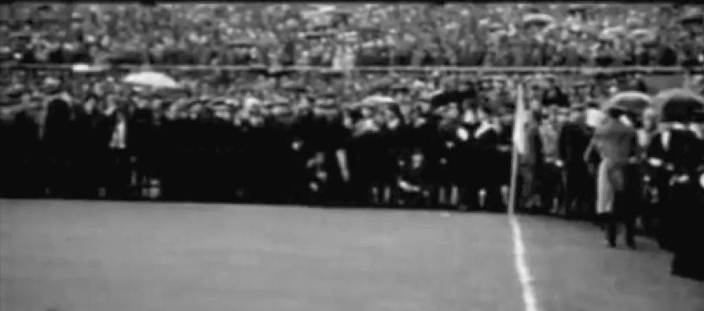 Torino, 16 aprile 1961: la folla ai bordi del campo
