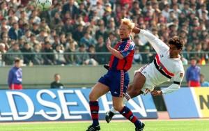 1991: Ra anticipa Ronald Koeman in azione