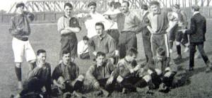 Formazione del 1905 dell' FC Basilea. La squadra svizzera incontra il Milan nel 1907