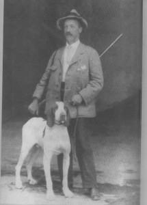 Henri Dapples nel 1915 (da L'Età dei Pionieri, Archivio Fondazione Genoa)