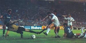 24 aprile 1985, Real Madrid-Inter 3-0, Santillana segna il primo gol
