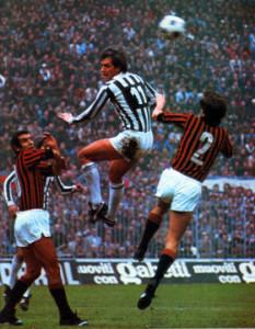 Bettega in azione in Milan-Juventus 2-3