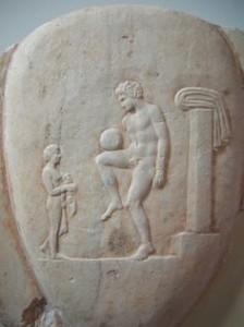 Antico greco si allena, rilievo conservato al Museo nazionale di Atene