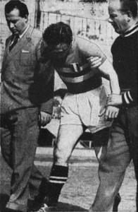19/04/1953 - Campionato di Serie A - Juventus-Pro Patria 2-0. Boniperti (foto La Stampa)