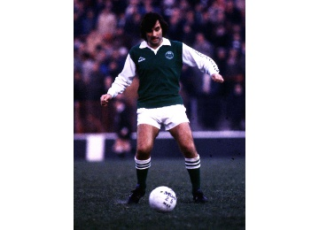 George Best on action for Hibs