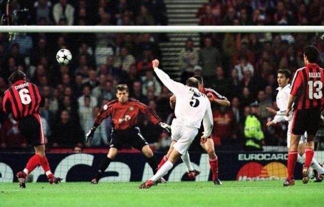 Un giochino che vince Zidane