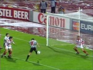 Antonio Conte segna il gol qualificazione ad Atene