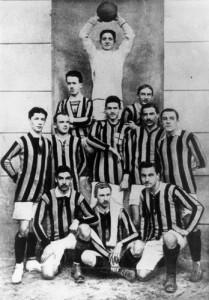 La squadra dell'Inter che vince il primo scudetto
