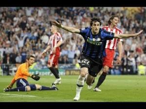 2010: Milito festeggia dopo aver segnato al Bayern Monaco
