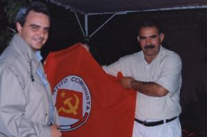 Settembre 1998, Mantovani e Ocalan. La matrice marxista-leninista del PKK era terreno comune tra il partito curdo e Rifondazione Comunista