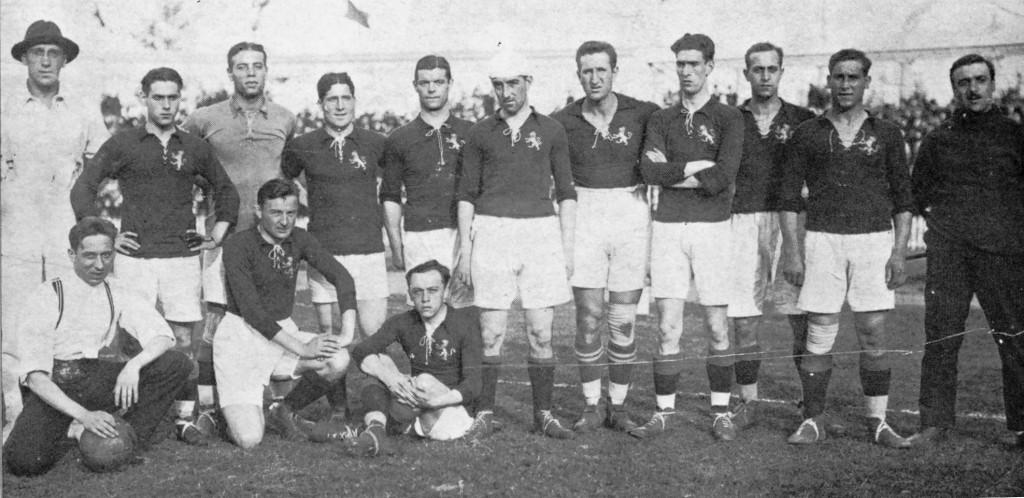 La Spagna; Zamora è il terzo da sinistra, Samitier è il quinto da sinistra, Aranzadi è il giocatore col copricapo