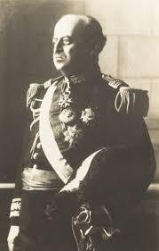 Il generale Oscar Benavides